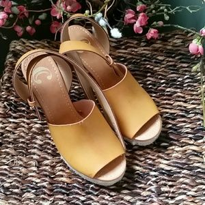 Charming Charlie Wedge Opened Toe Carmel Sandal
